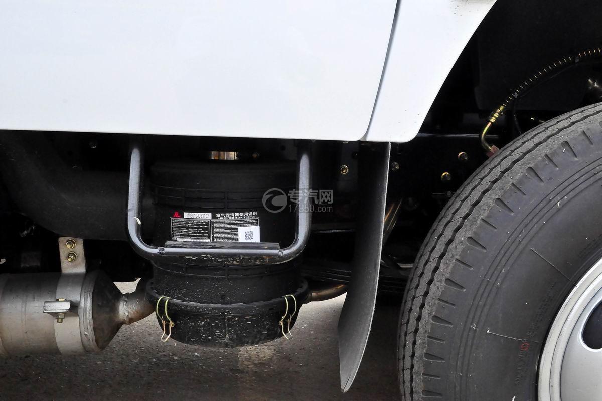 东风多利卡D6双排座舞台车空气过滤器