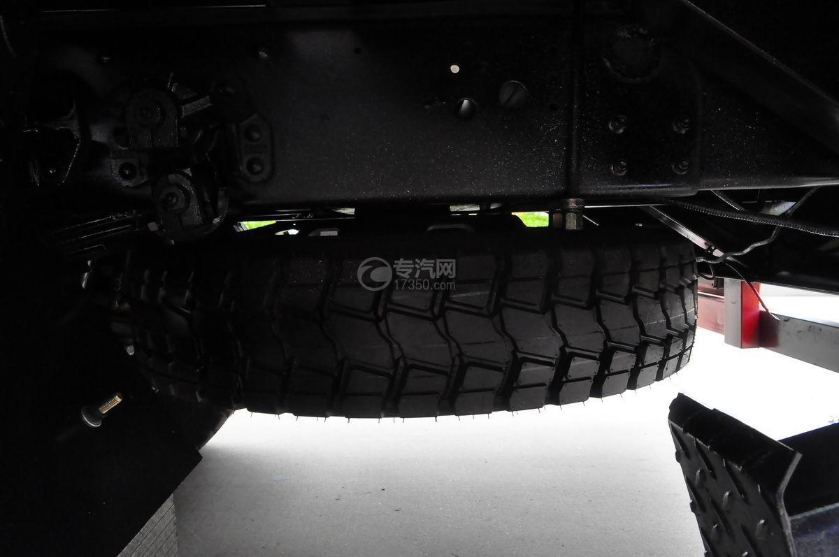 大运奥普力平板运输车备胎
