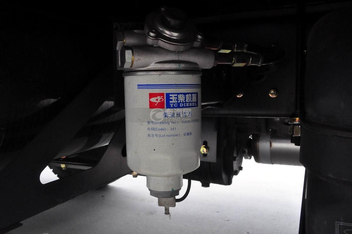 大运奥普力平板运输车柴油预滤器