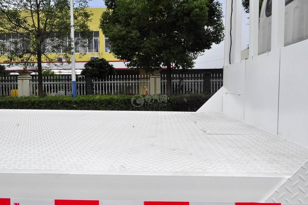 大运奥普力平板运输车防滑板