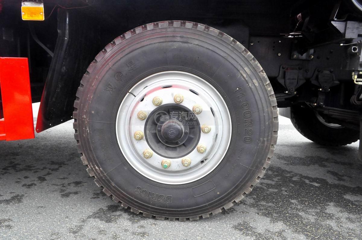 陕汽轩德X6平板运输车轮胎
