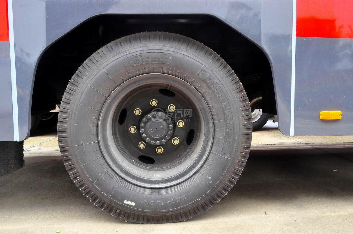 东风153双排水罐消防车轮胎