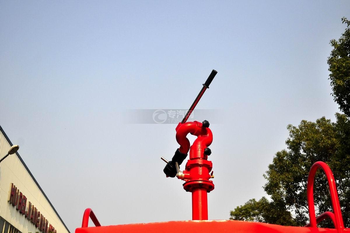 后洒接口图多利卡D6单桥水罐消防车