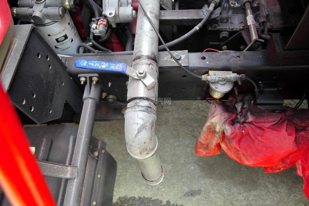 排废口图多利卡D6单桥水罐消防车