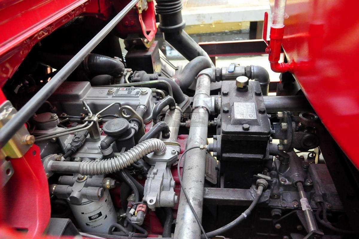 油箱及发动机图多利卡D6单桥水罐消防车