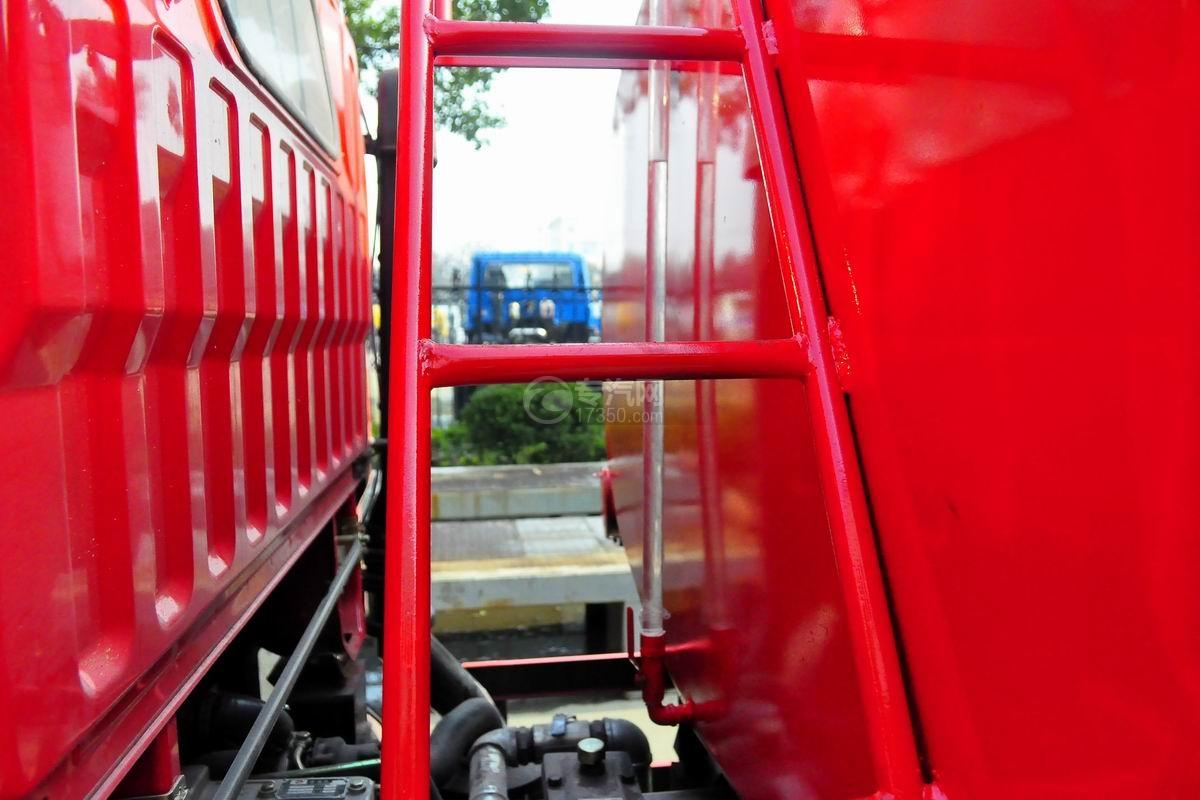 扶梯图多利卡D6单桥水罐消防车