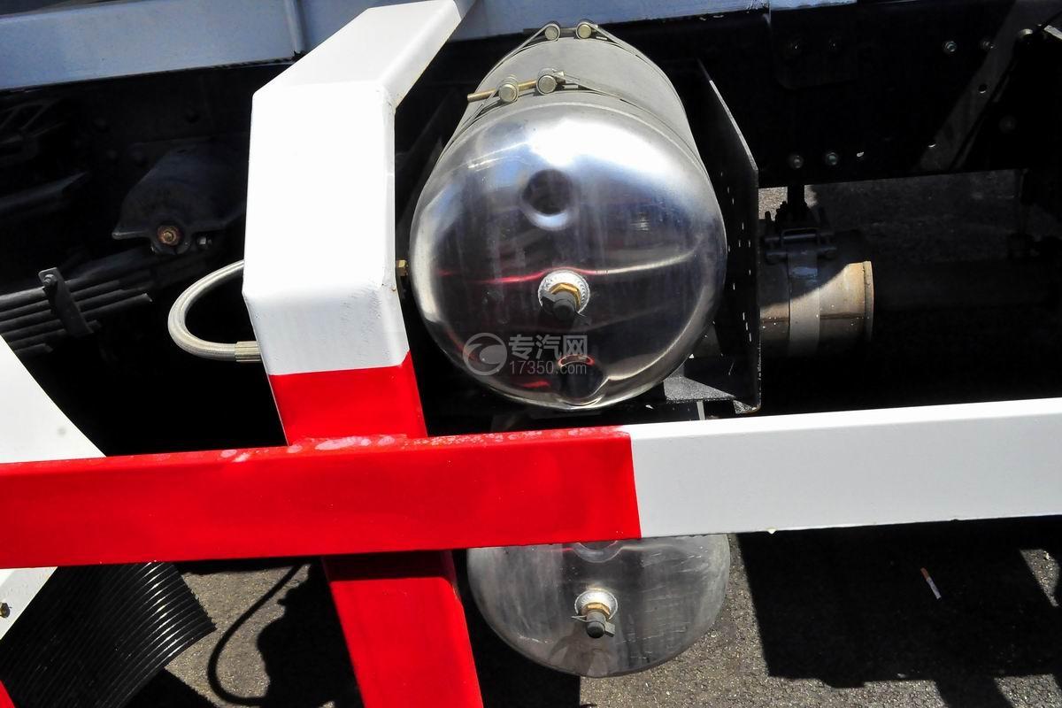 程力中卡单桥5-7方搅拌车储气罐