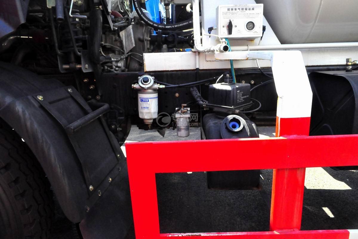 程力中卡单桥5-7方搅拌车柴油预滤器、尿素罐