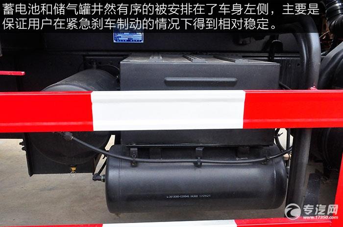 东风多利卡D9绿化喷洒车的电池