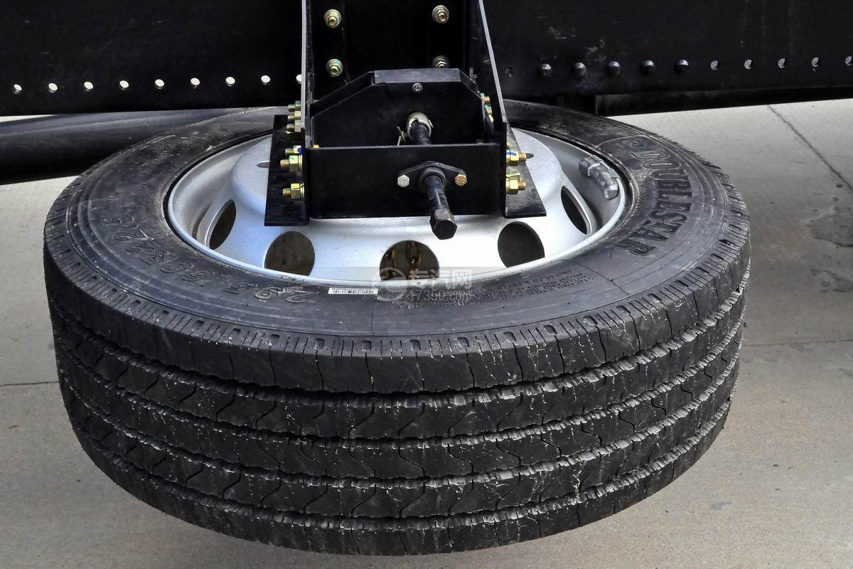 陕汽轩德X6中置轴轿运车备胎