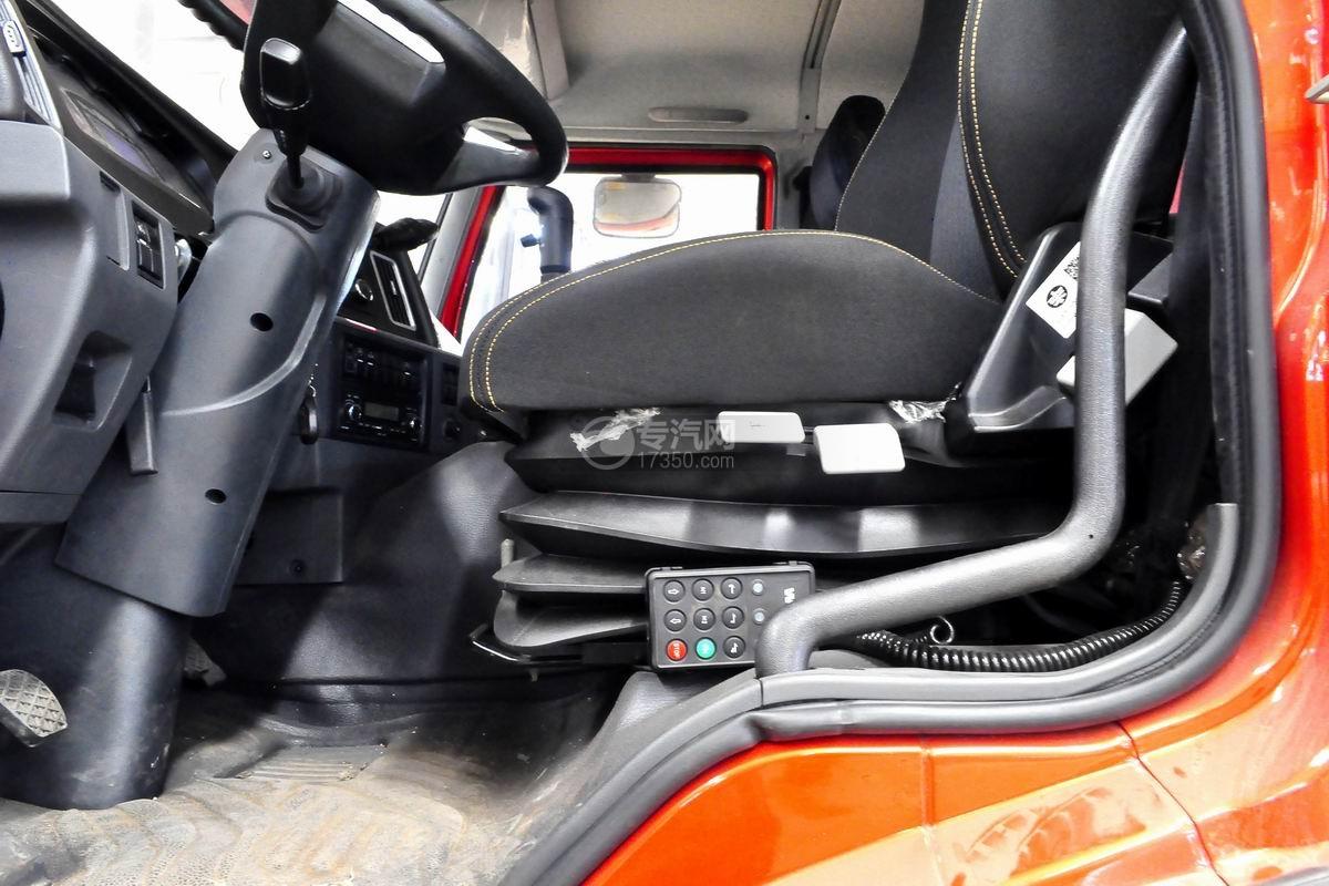 解放悍V小三轴带挂轿运车气囊座椅