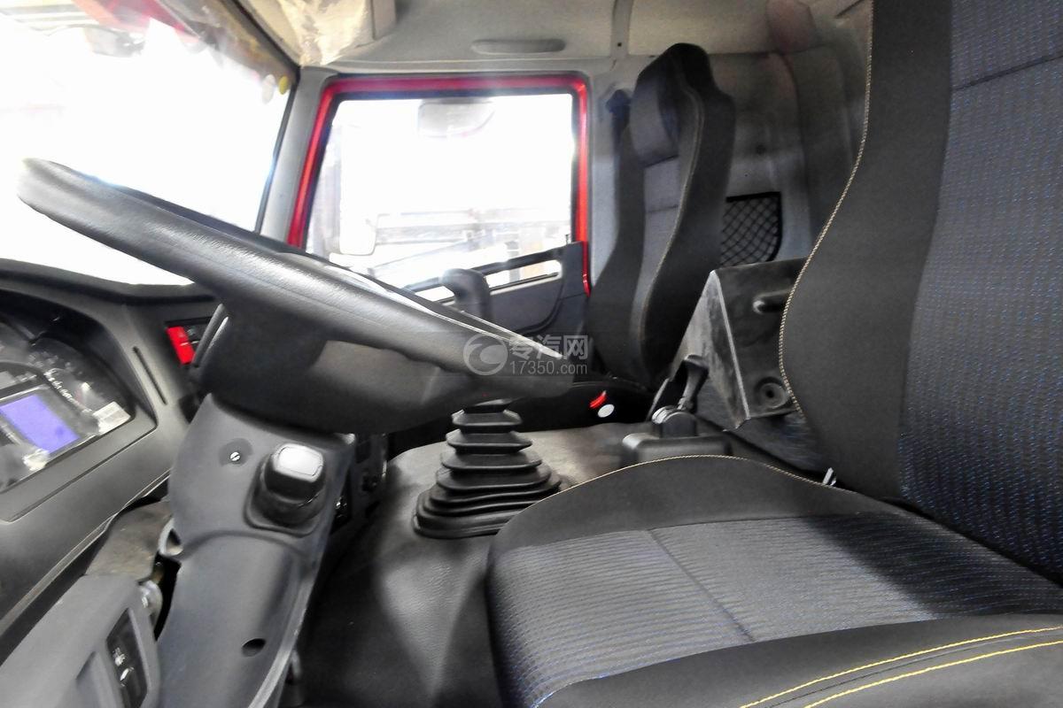 解放悍V小三轴带挂轿运车驾驶室