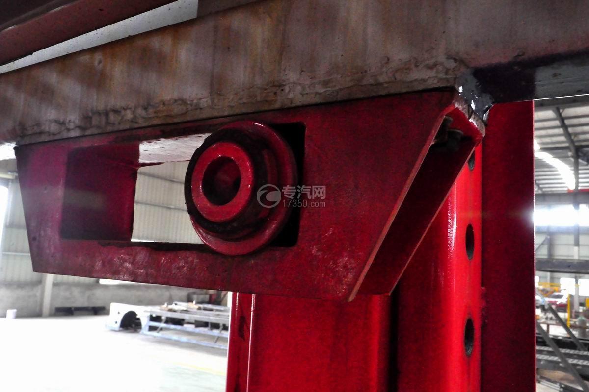 解放悍V小三轴带挂轿运车上装细节