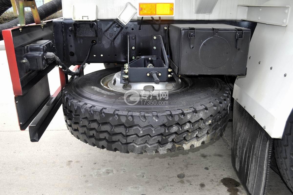 陕汽轩德X6前四后八粉粒物料运输车备用轮胎