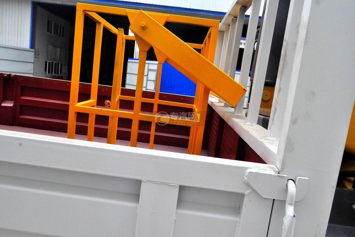 东风D913单桥徐工6.3吨直臂随车吊上装细节