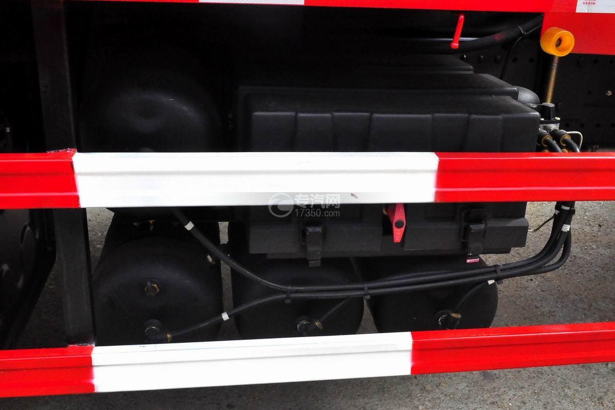 东风特商后双桥12吨直臂随车吊储气罐蓄电池