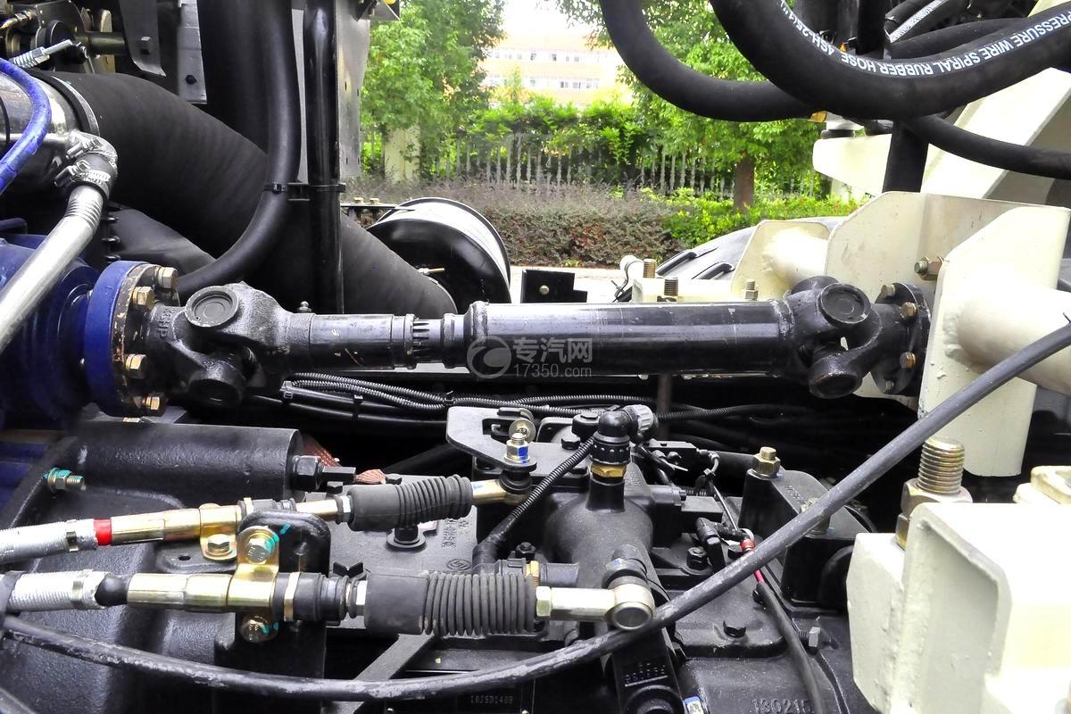 陜汽軒德X6前四后八12方攪拌車底盤細節