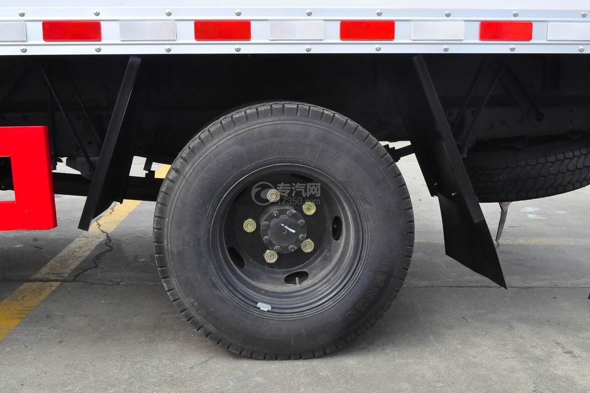 江铃顺达4.1米防爆车轮胎