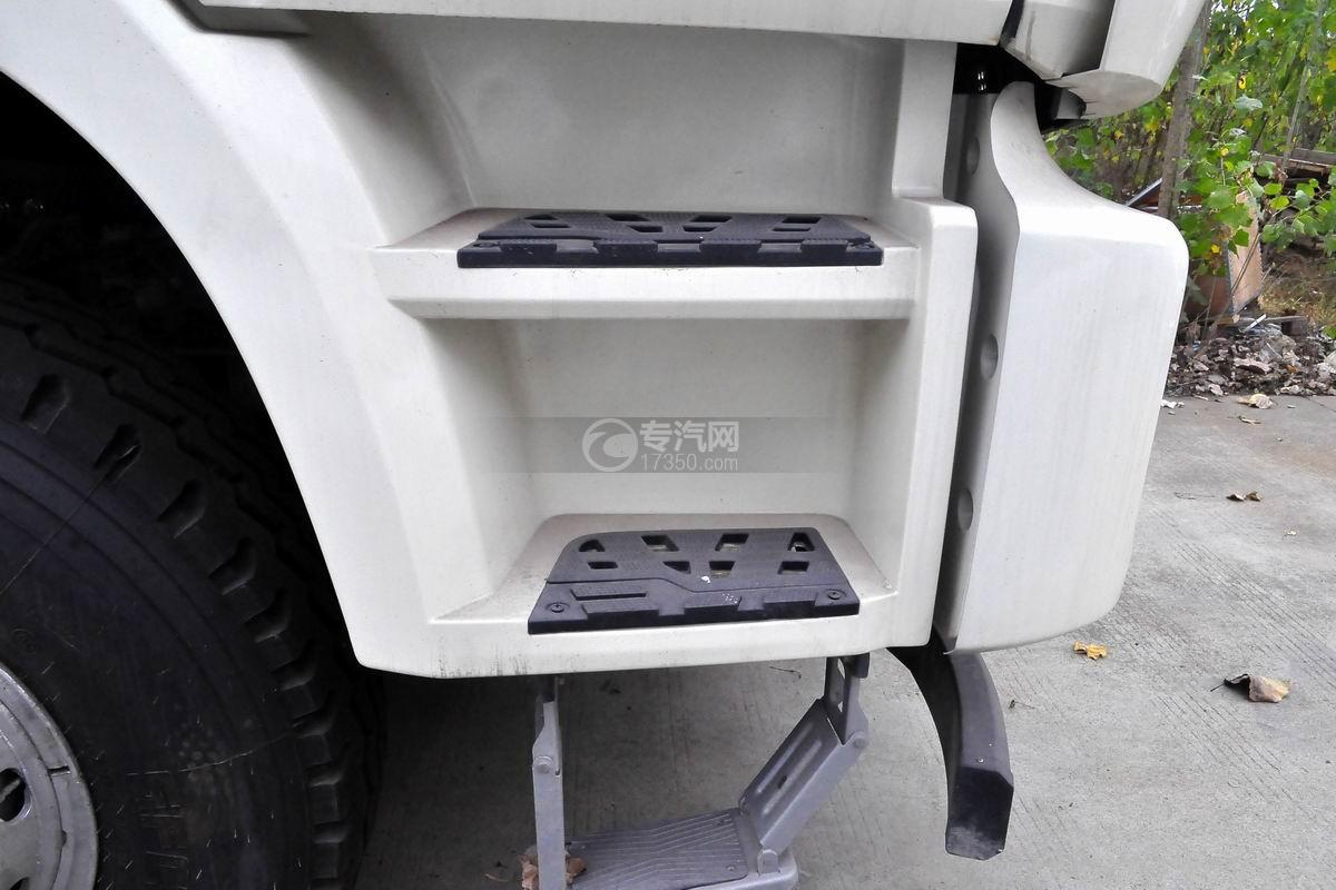 福田欧曼12方搅拌车驾驶室踏板