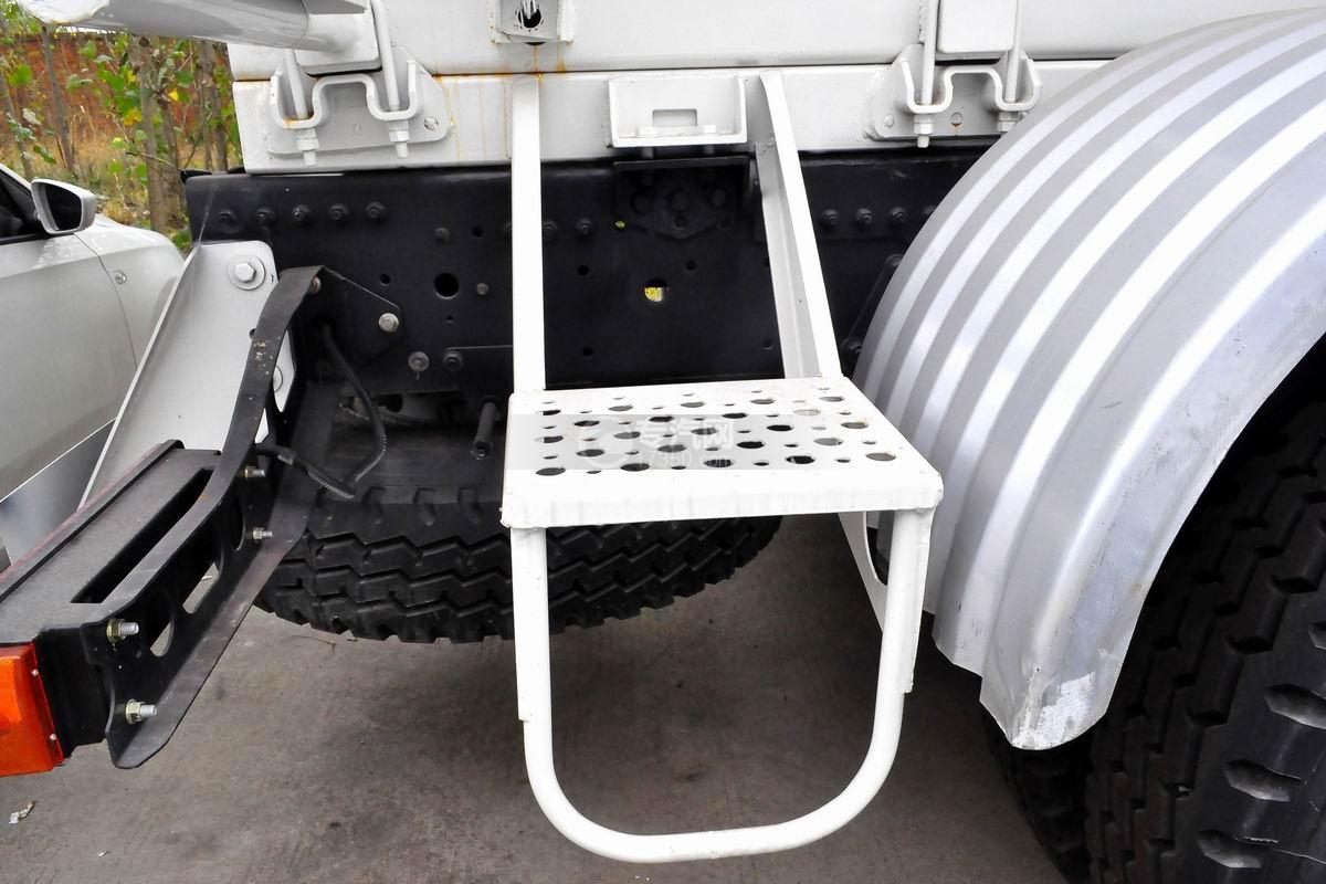 福田欧曼12方搅拌车上装踏板