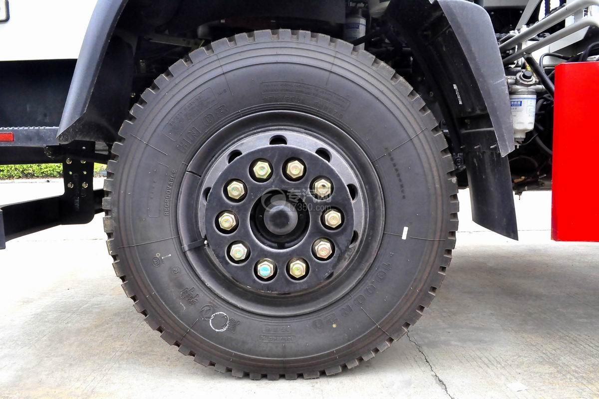 东风随专D912单桥搅拌车轮胎