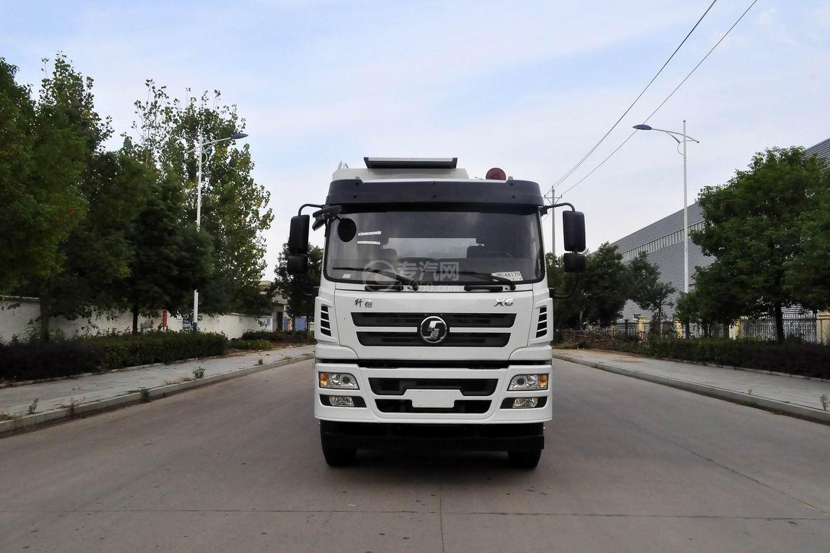 陕汽轩德X6小三轴散装饲料运输车正面图