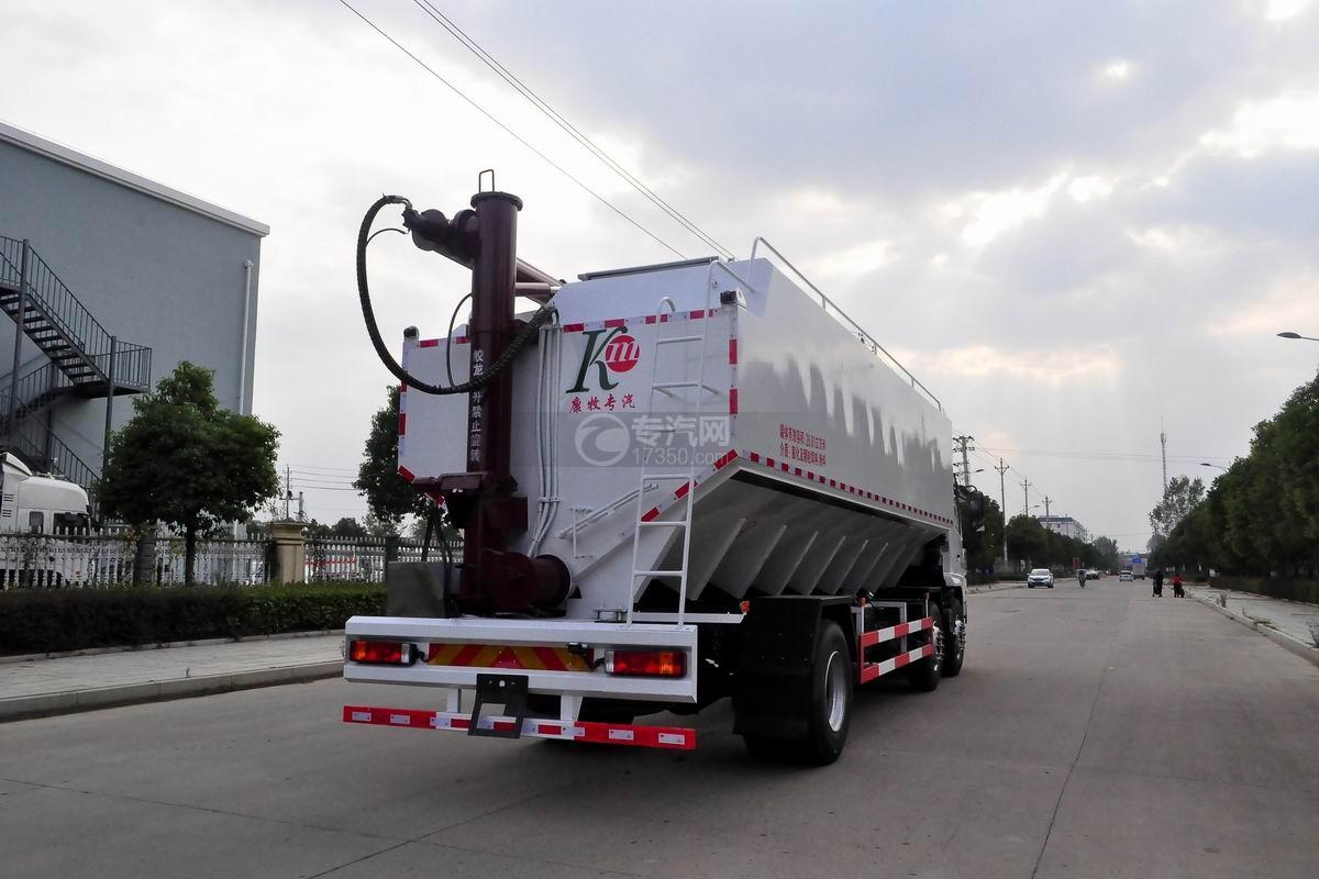 陕汽轩德X6小三轴散装饲料运输车侧后方图