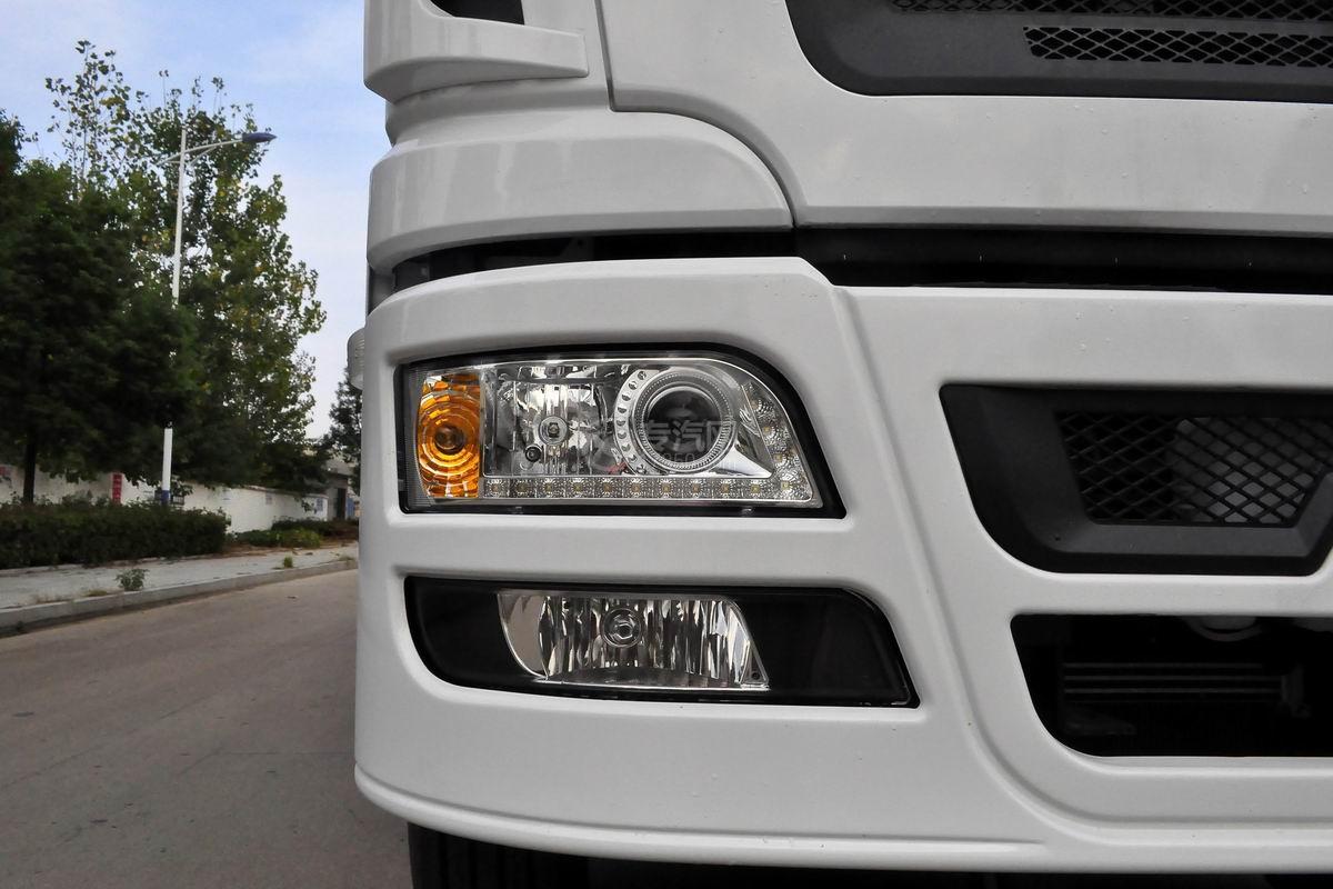 陕汽轩德X6小三轴散装饲料运输车转向灯