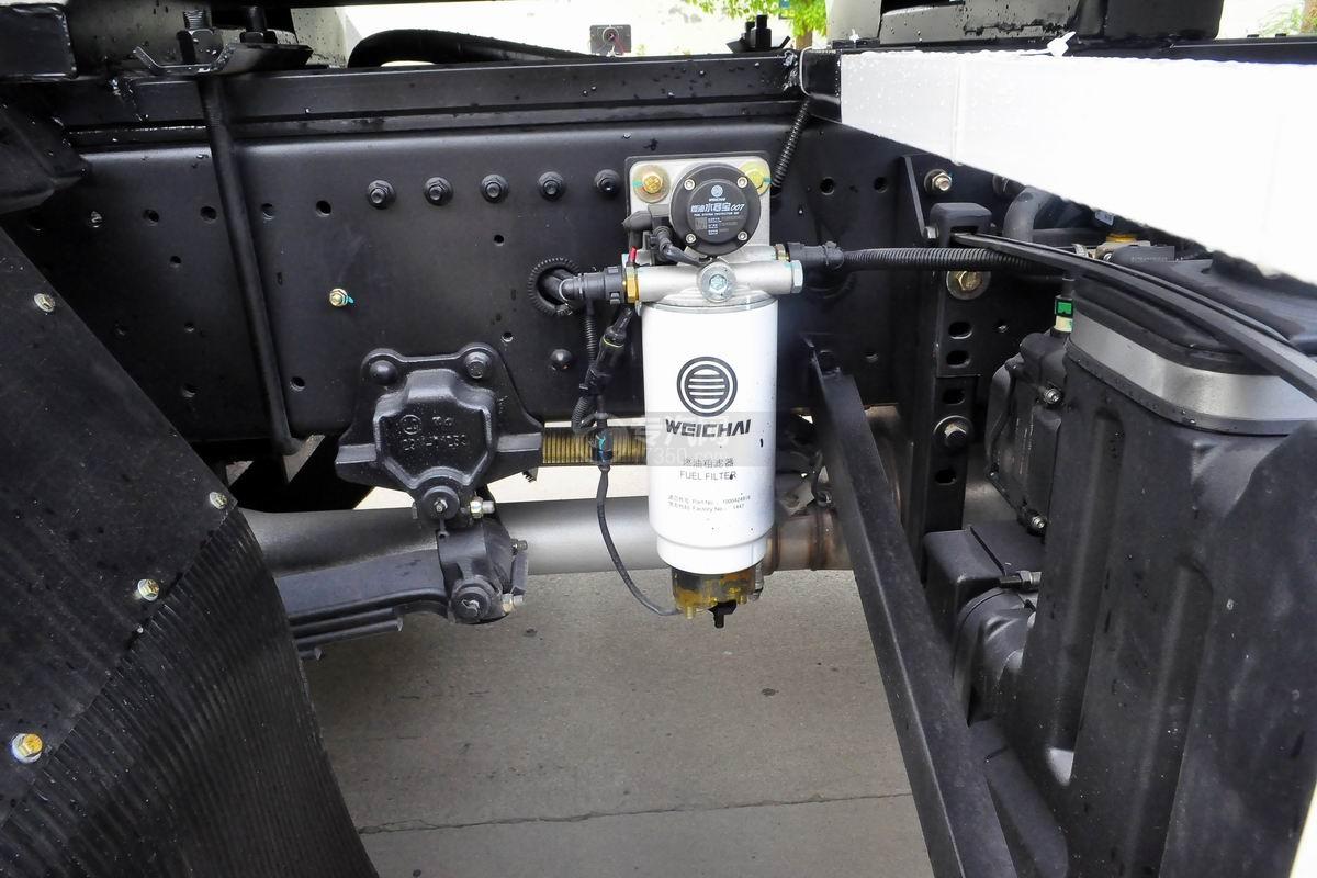 陕汽轩德X6小三轴散装饲料运输车燃油箱滤器