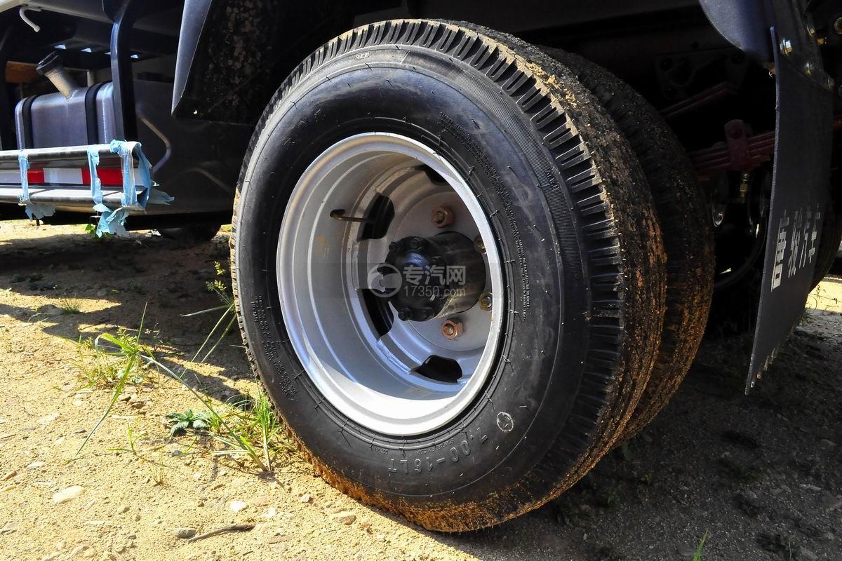 唐骏金刚588 3.2吨随车吊(白色驾驶室)轮胎