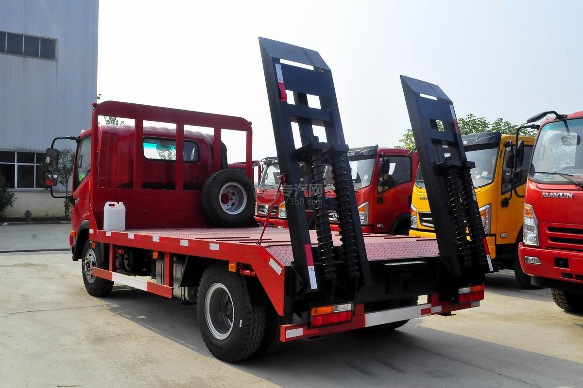 大运奥普力3550轴距平板运输车侧面图