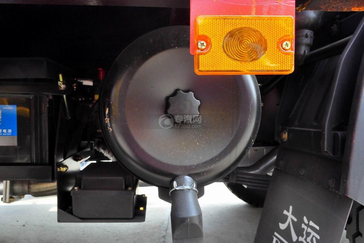 大运奥普力3550轴距平板运输车尾气再循环装置