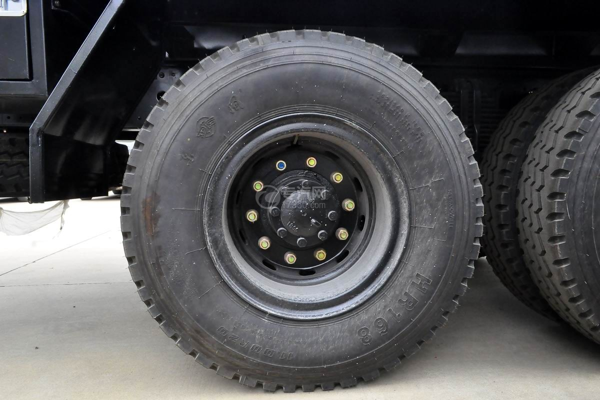 东风T5型14.5方洒水车轮胎