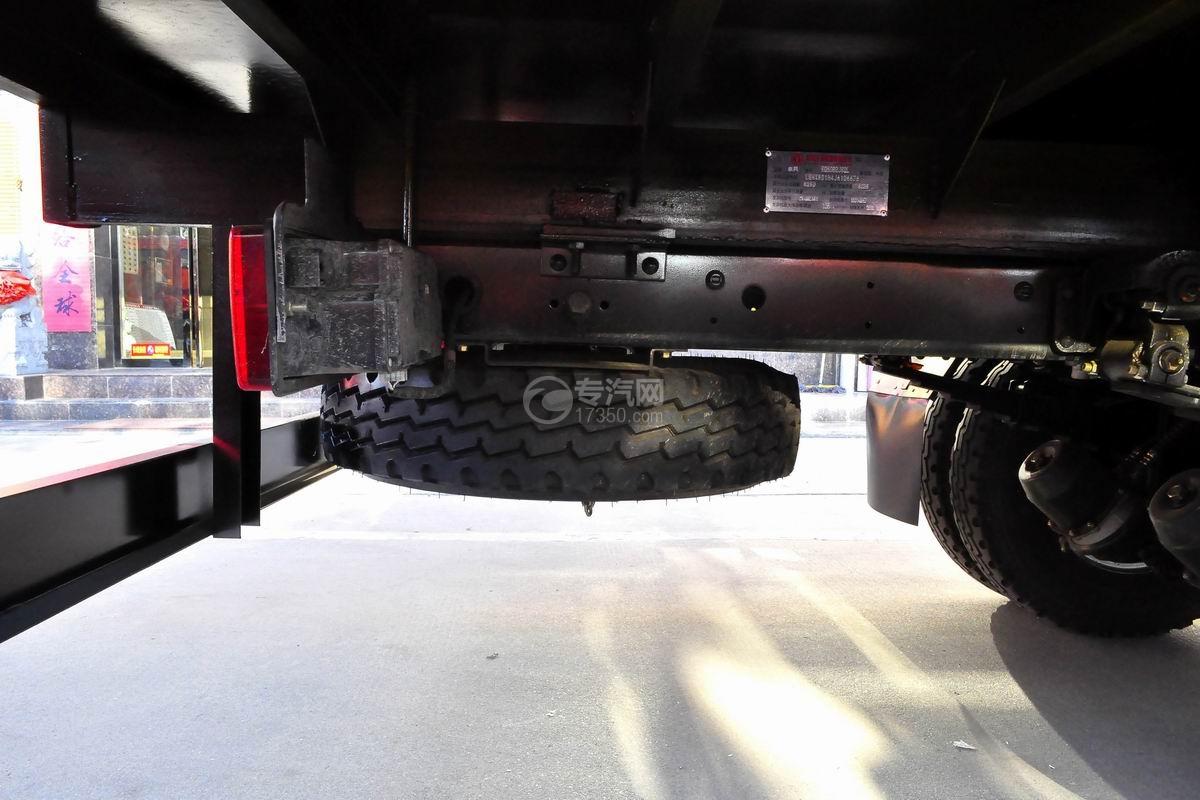 东风多利卡徐工3.2吨直臂随车吊备胎