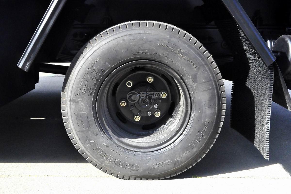 大运奥普力6方加油车轮胎