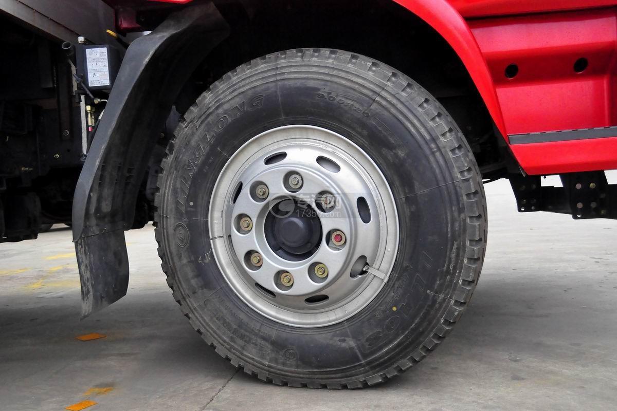 东风柳汽乘龙M3流动舞台车轮胎