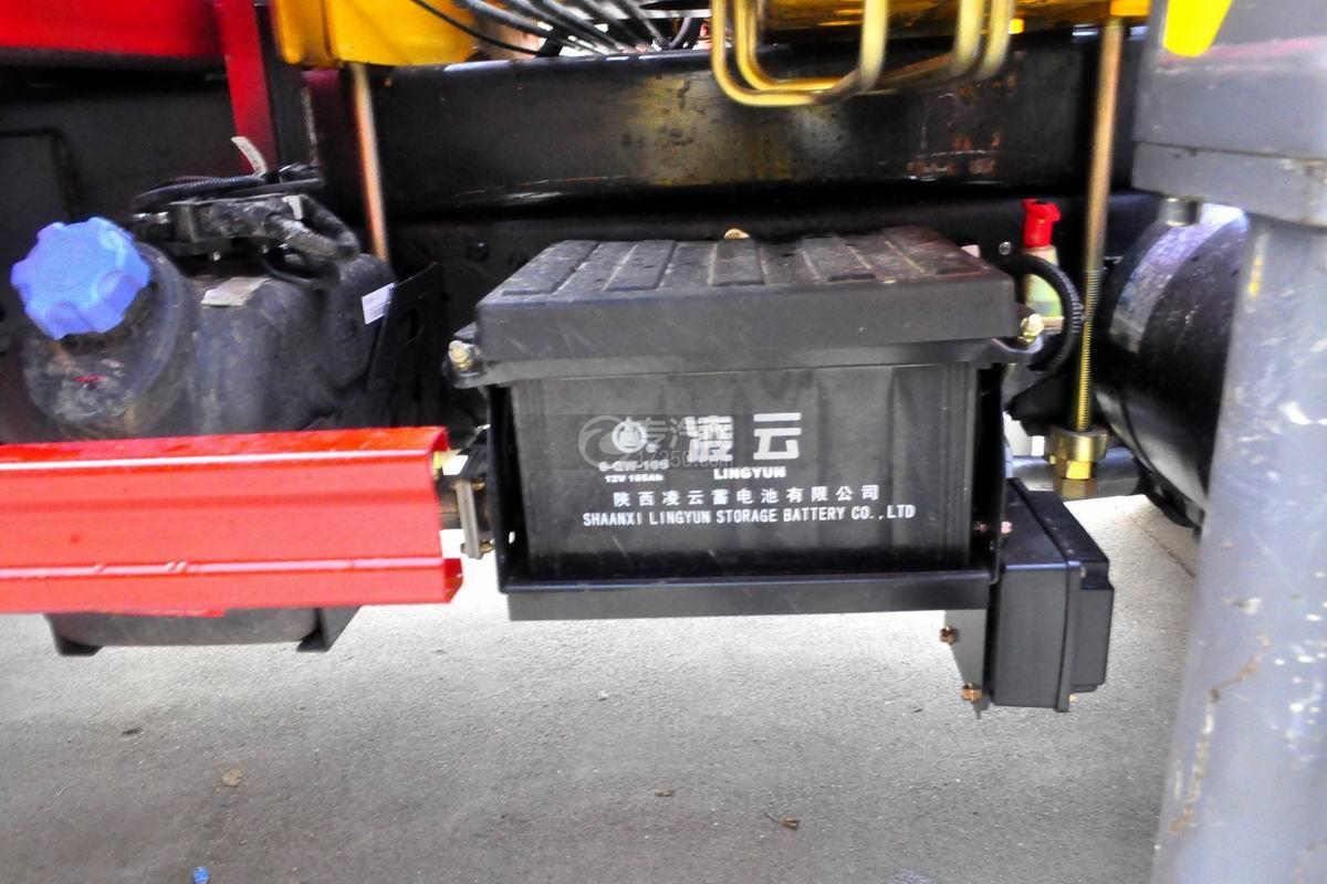 大运奥普力5吨徐工折臂随车吊蓄电池