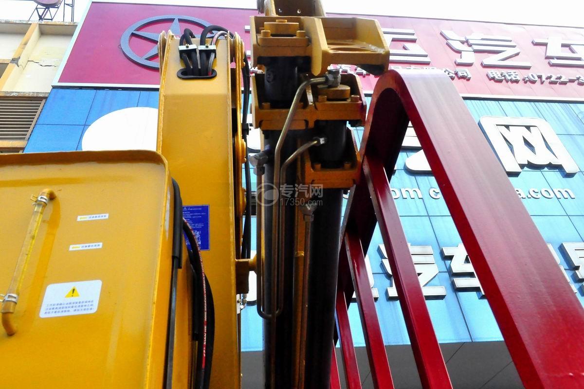 大运奥普力5吨徐工折臂随车吊吊机细节