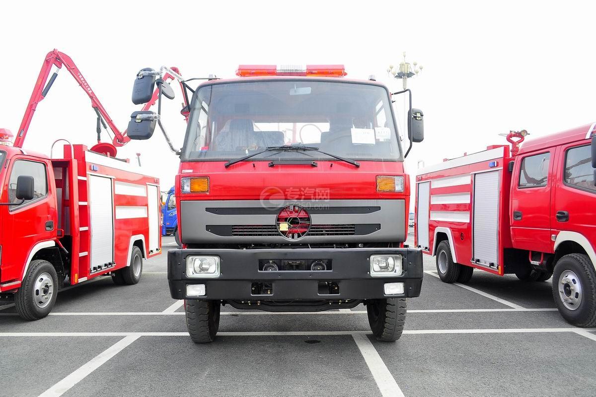 东风145消防车带水罐正面图