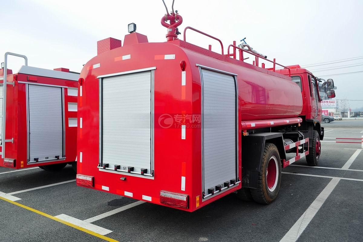 东风145消防车带水罐侧左后方图
