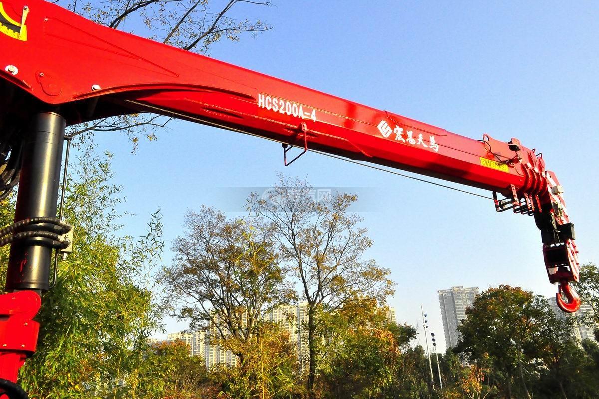 东风T5宏昌天马8吨直臂随车吊吊机