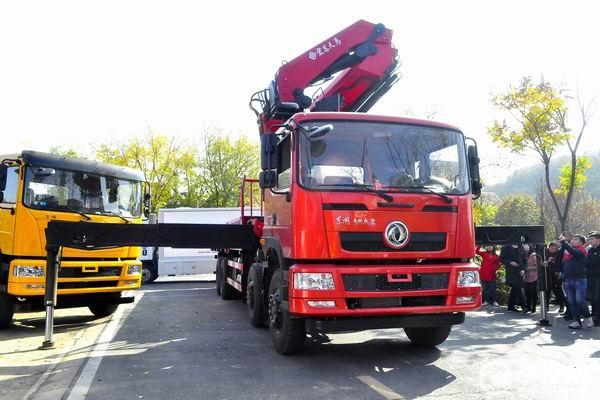 25吨随车吊的首选——东风专用25吨折臂随车吊
