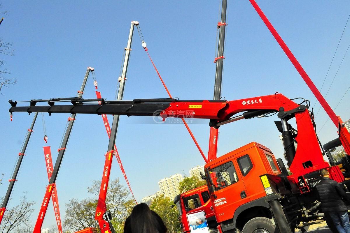 东风专底前四后八25吨折臂随车吊吊机