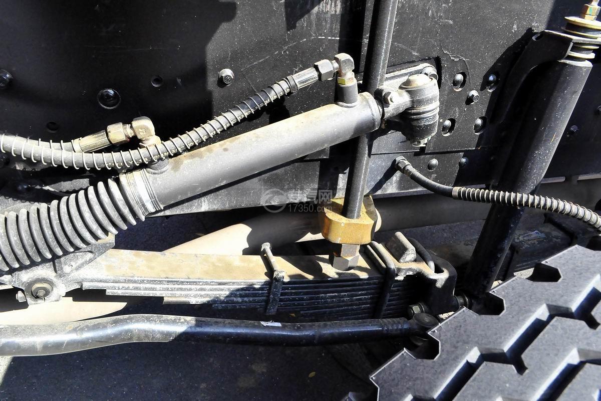 东风专底前四后八25吨折臂随车吊细节