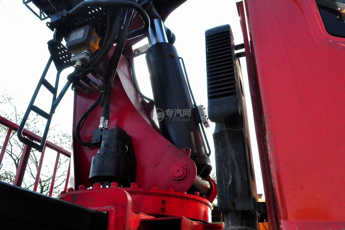 东风专底前四后八25吨折臂随车吊液压油缸