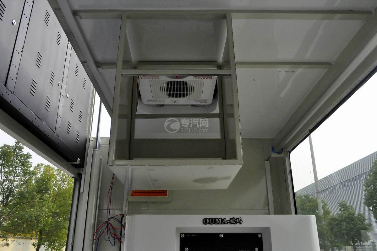 大运奥普力LED广告车上装细节