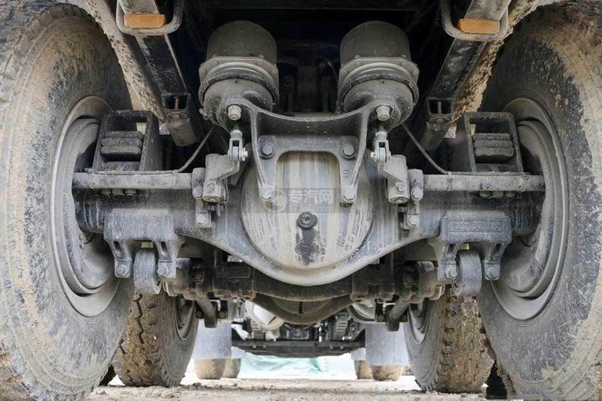 陜汽軒德X6前四后八6米自卸車底盤細節