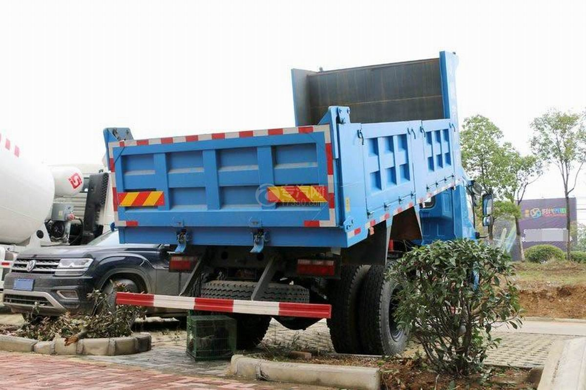 陕汽轩德X6单桥4.5米自卸车后方图