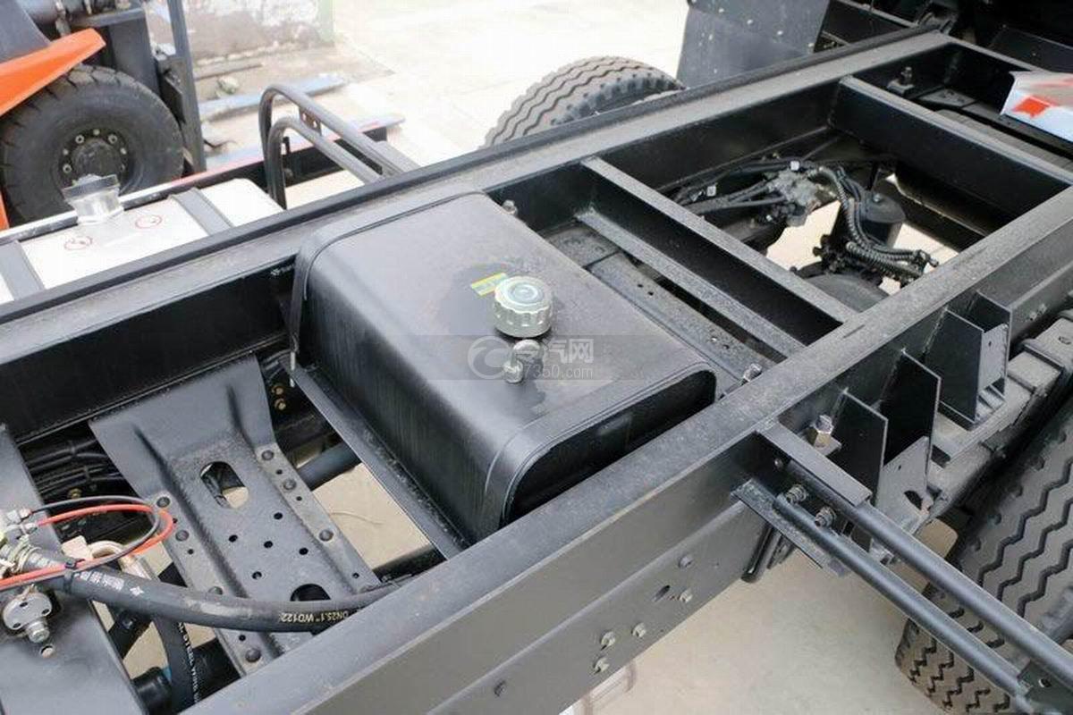湖北大运风度3.75米自卸车液压油箱