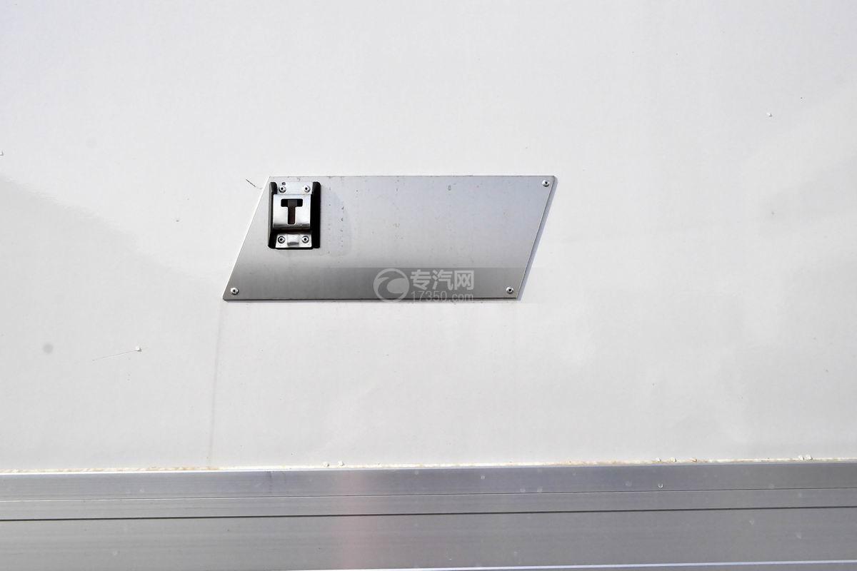 福田欧马可S5厢式运输车细节
